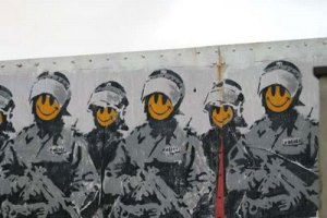 Smiley Coppers van Banksy
