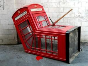 Soho Phone Box van Banksy